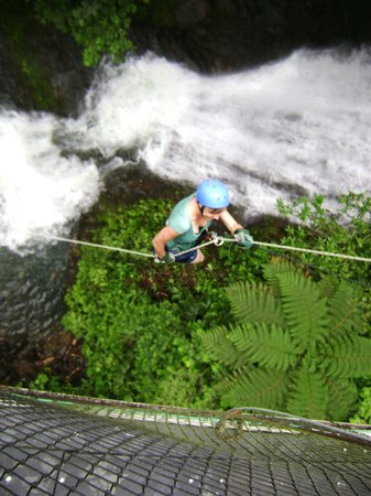 Montana Adventures Canyoning: Rappelling the bridge