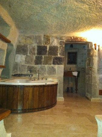 Koza Cave Hotel: bathroom