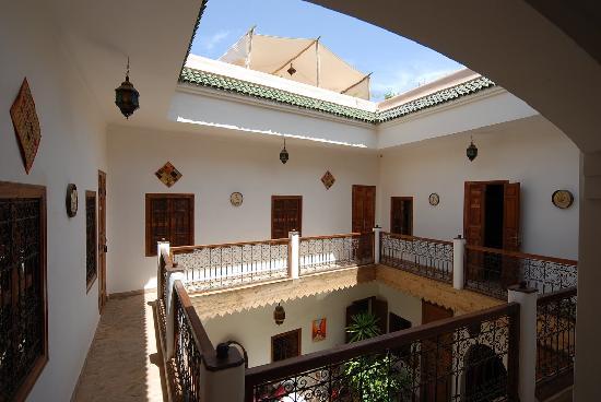 Riad Limouna: Galerie desservant les chambres
