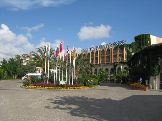 Paloma Oceana Resort: Hotel entrance