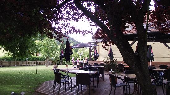 Landgasthof Hirsch : Courtyard Restaurant
