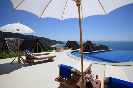 Baan KanTiang See Villa Resort (2 bedroom villas) : Pool view