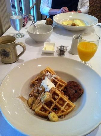 Farmhouse Inn: Breakfast