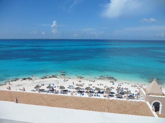 Hotel Riu Cancun: View from the balcony