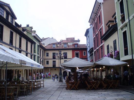 Oviedo, España: Plaza del Fontan