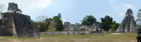 Tikal Museum / Museo Sylvanus G. Morley: Tikla Hauptplatz