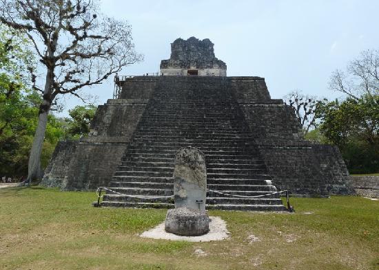 Tikal Museum / Museo Sylvanus G. Morley: Tempel