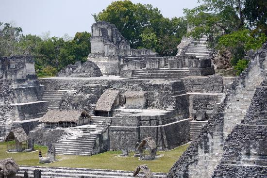 Tikal Museum / Museo Sylvanus G. Morley: Hauptplatz