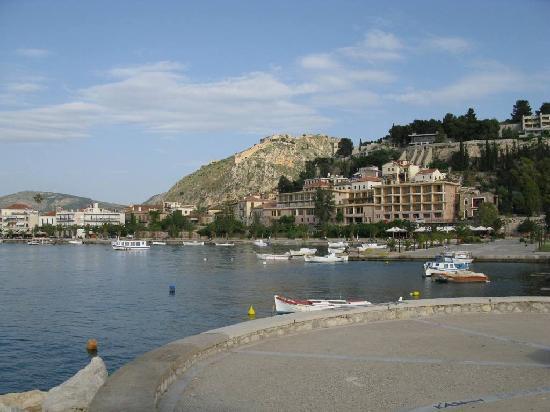 Nauplion Promenade: Hefenpromenade mit Blick auf Palamidi