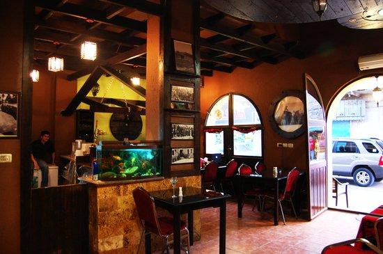 Queen Ayola Hotel: Queen Ayola Restaurant