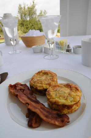 Sunset Ridge Bed and Breakfast: Baked Omelet with Bacon
