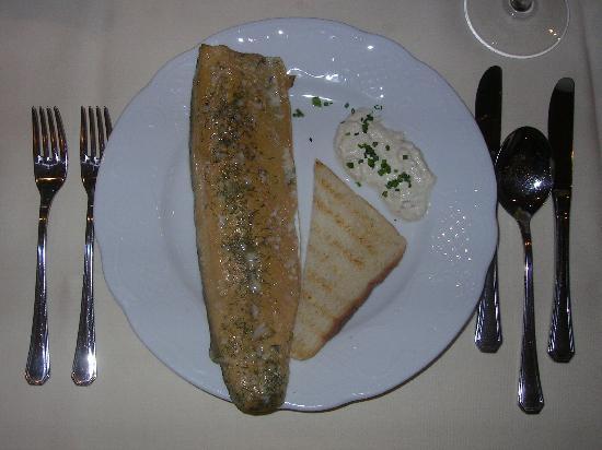 Hotel Hollroah: Als Vorspeise unsere gefangenen Forellen geräuchert ein Traum