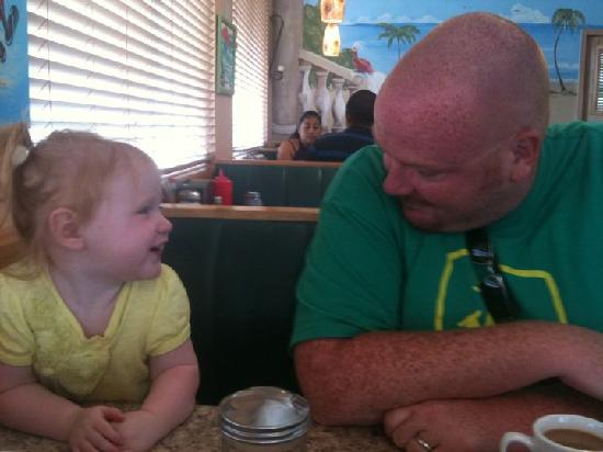 Paradise Pancake & Omelet House : ME and my daughter