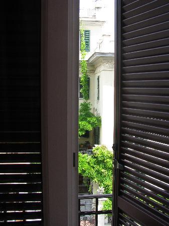 Aldebaran Bed & Breakfast: window