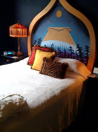 Crystal Hotel: Bedroom