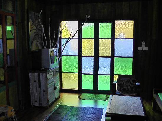 Varinda Garden Resort: Lounge area and door
