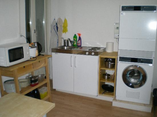 Hotel Rugenpark B&B: Rugenpark Guest Kitchen