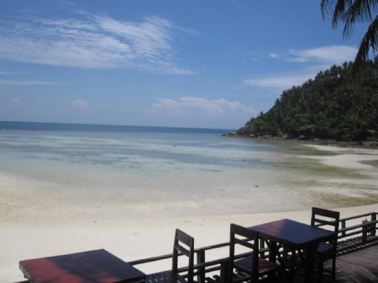Salad Beach Resort: Spiaggia