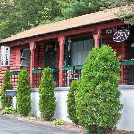 Alpenhaus Motel : Exterior