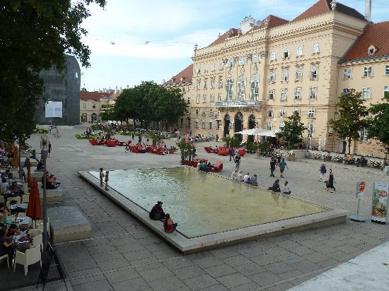 Wiedeń, Austria: Museumsquartier Wien