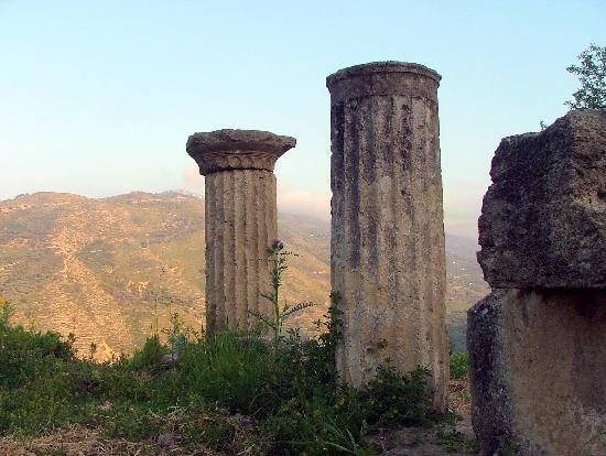 Castel di Tusa Halaesa IV sec A.C.