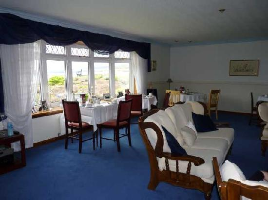 The Gables Bed & Breakfast: Breakfast room and lounge