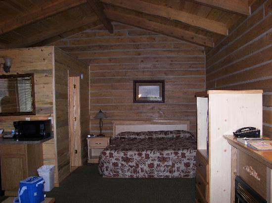 Rock Crest Lodge: insike the cabin