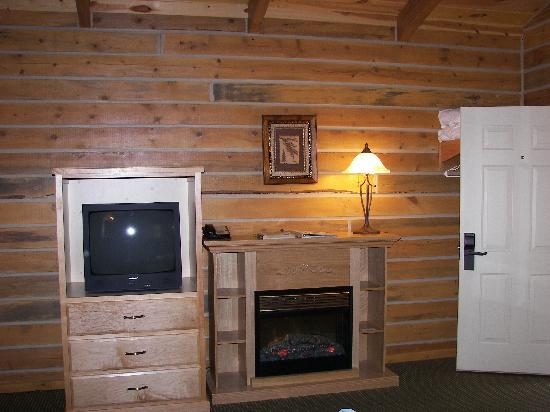 ‪‪Rock Crest Lodge‬: inside the cabin‬