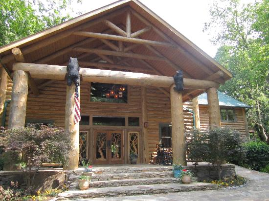 Dancing Bear Lodge: The main lodge