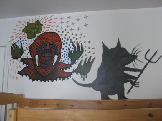 Tallinn Backpackers: More wall paintings