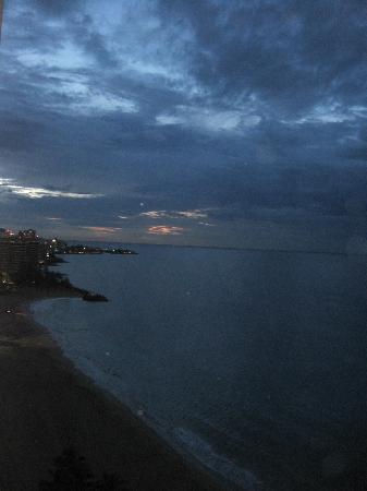 San Juan Marriott Resort & Stellaris Casino: Nighttime