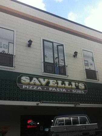 Savelli's Pizza
