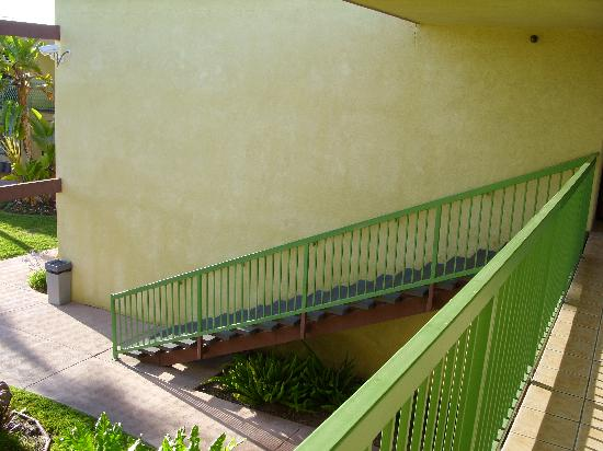 Comfort Inn & Suites near Long Beach Convention Center: Stairs, no elevator