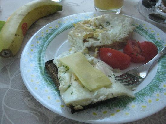 Livonija: Breakfast