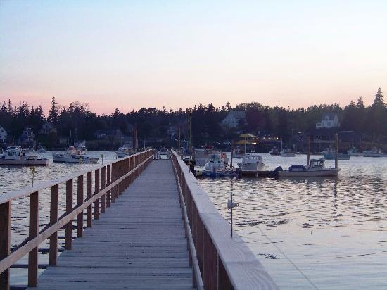 Bass Harbor, ME : Local Lobster Restaurant across the water