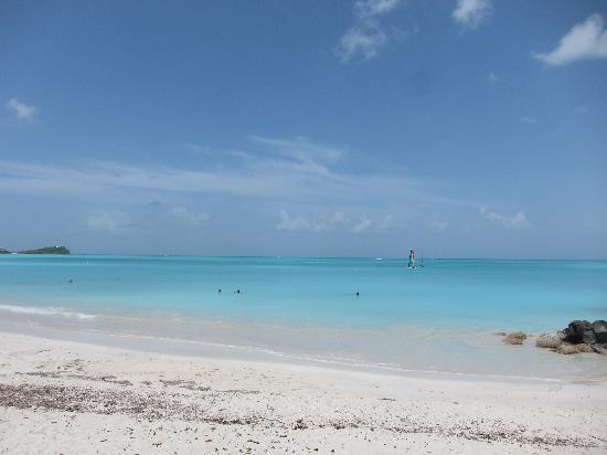 Tranquility Bay Antigua: jolly beach at the resort