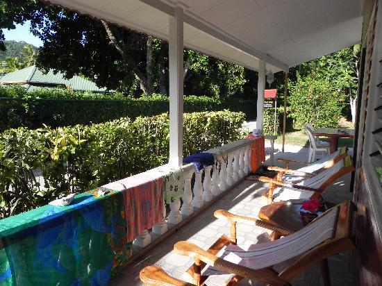 L'Auberge de Nadege: notre terrasse