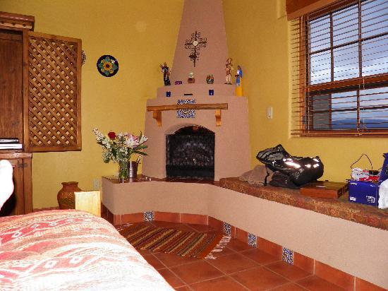 La Punta Norte Guest House: our fire place in room