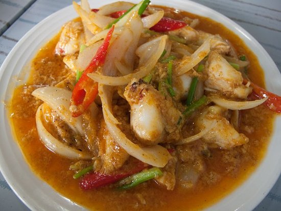 Krua Apsorn: Curry Crab - Big Chunks of Meat!