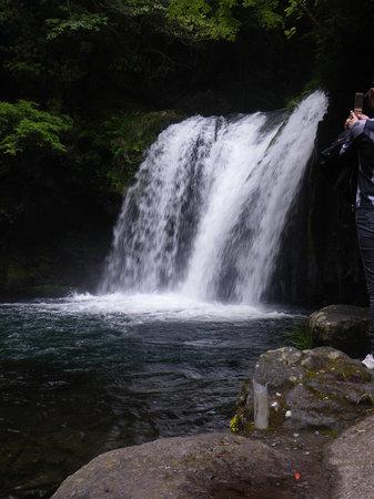 Kawazu Nanadaru Waterfalls: 初景滝