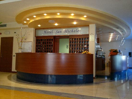 San Michele: La Reception