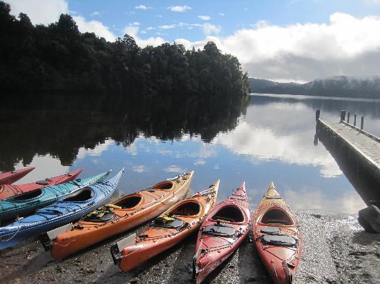 Glacier Country Kayaks: :)