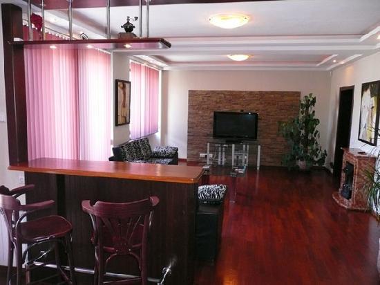 Kiev apartments Grata: 2