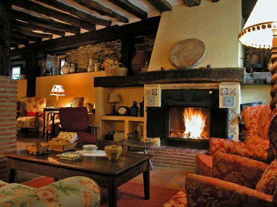 Casa zalama prices hotel reviews san pelayo de - Chimeneas star ...