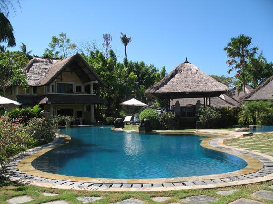 Rumah Bali : pool