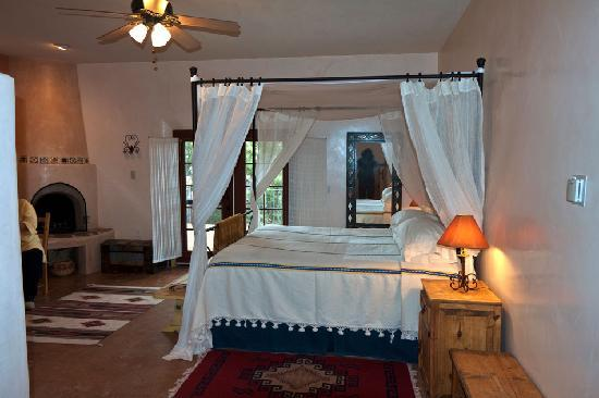 Hacienda Dona Andrea de Santa Fe: Typical bedroom