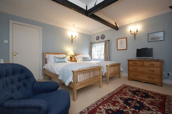 Old Plough House B&B : Blue Room Twin or Kingsize