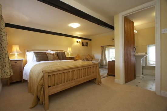 Old Plough House B&B : Ochre Room
