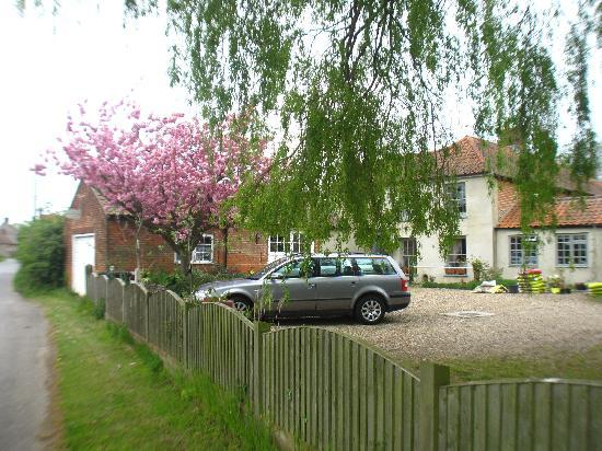 Old Plough House B&B : Spring at Plough House