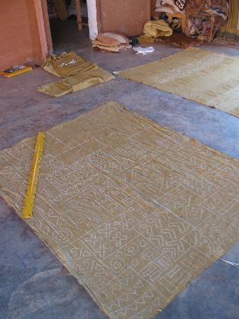 Ndomo   Bogolan Textile Workshop : A Bogolan in the making